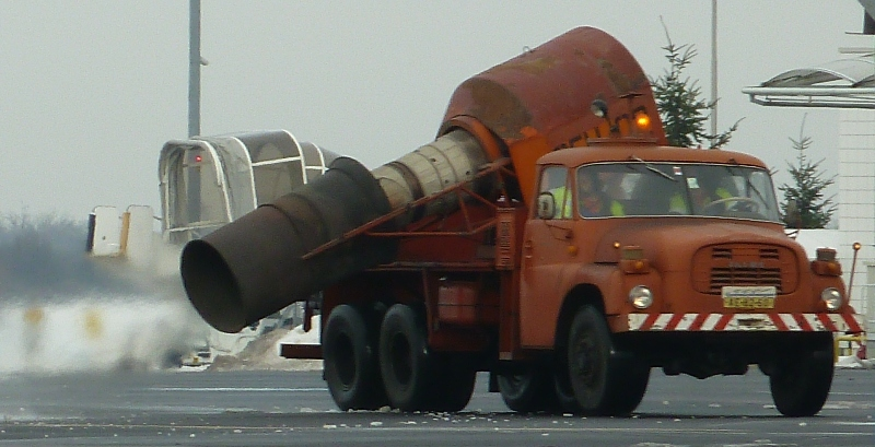 jet engine snow clearing at Prague airport